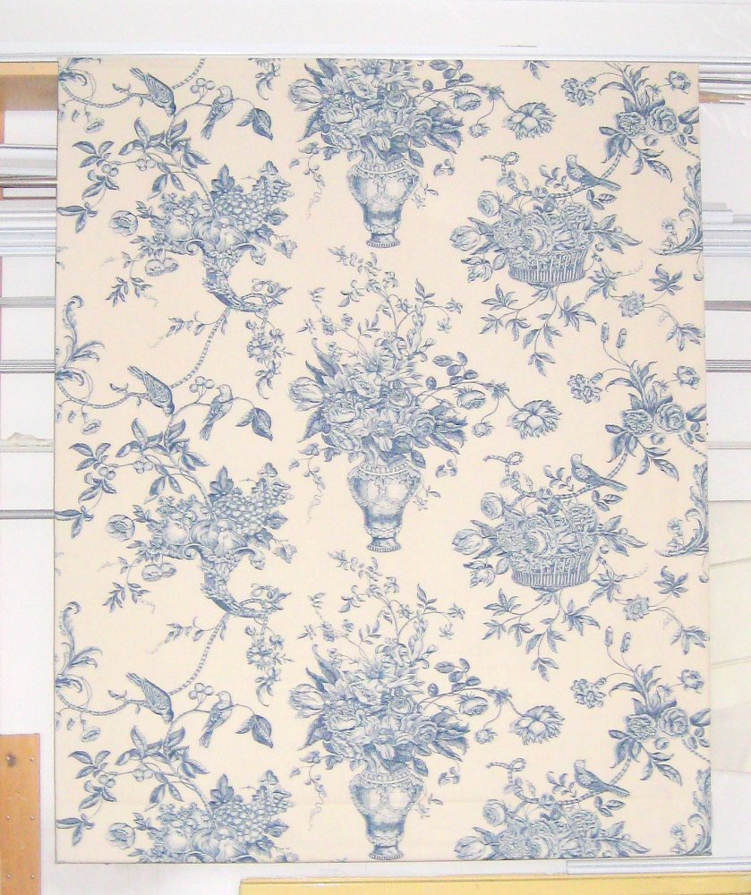 A lovely toile pattern - although the pattern is different it's still balanced beautifully.