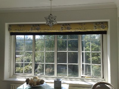 Wide blind with blackout inner lining